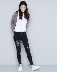 destroyed jeans pull and bear
