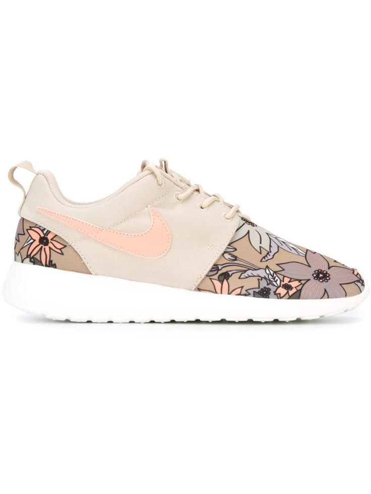 Nike 'Roshe One' sneakers